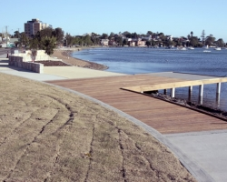 belmont_foreshore_public_feature